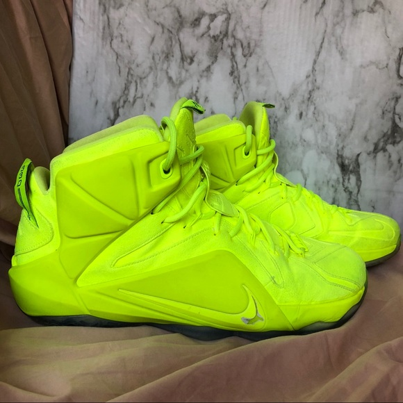 reputable site 179e3 0d168 Nike Lebron XII 12 EXT Tennis Ball Volt